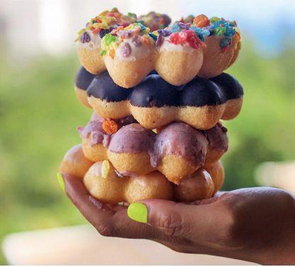 Pon de rings (Momi Donuts)